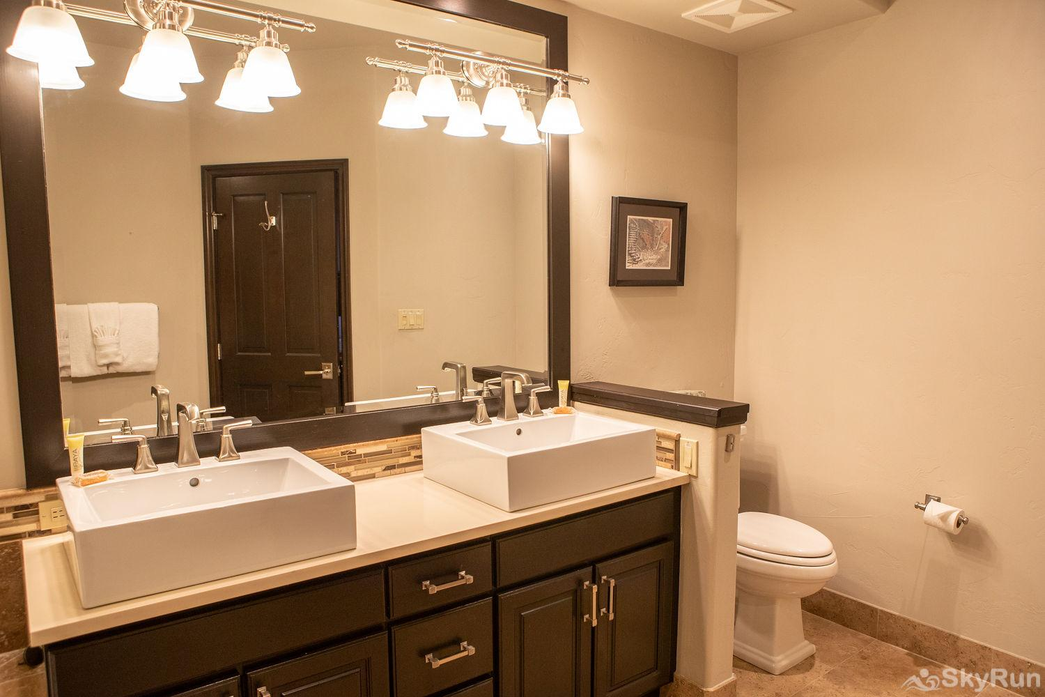 312 Aspenwood Lodge Master Bathroom